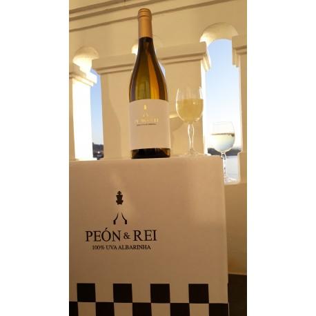 Apadrina tu cepa con 12 botellas de Vino Peón & Rei by Adega Buezas