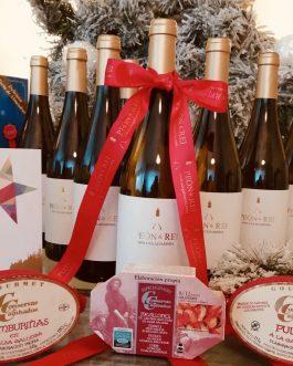 """⭐️🥂🍾 """"Cesta Gourmet""""     2 botellas de vino PEÓN&REI y productos Gourmet de Galicia 🌊💚   El regalo perfecto"""